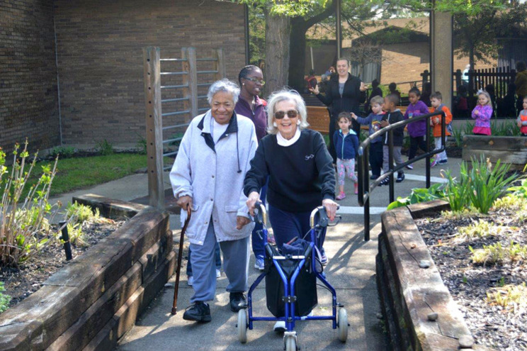 Menorah Park assisted living and skilled nursing home seniors on an outing